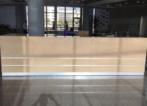 10Dalpak2210 500x360 - דלפק קבלה למשרד- דלפק בפורניר מייפל משולב אלומיניום | מס': 2210