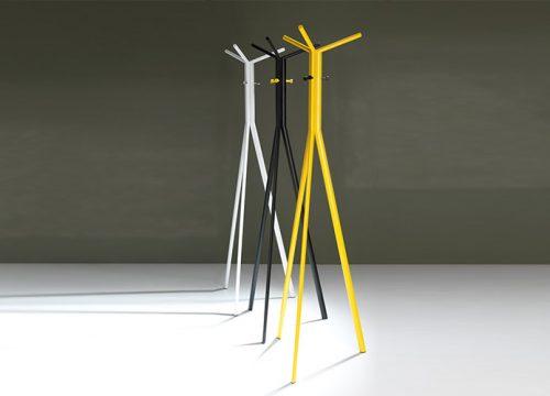 2Matle6302 500x360 - מתלים מעוצבים למעילים ולבגדים במגוון צבעים | מס': 6302