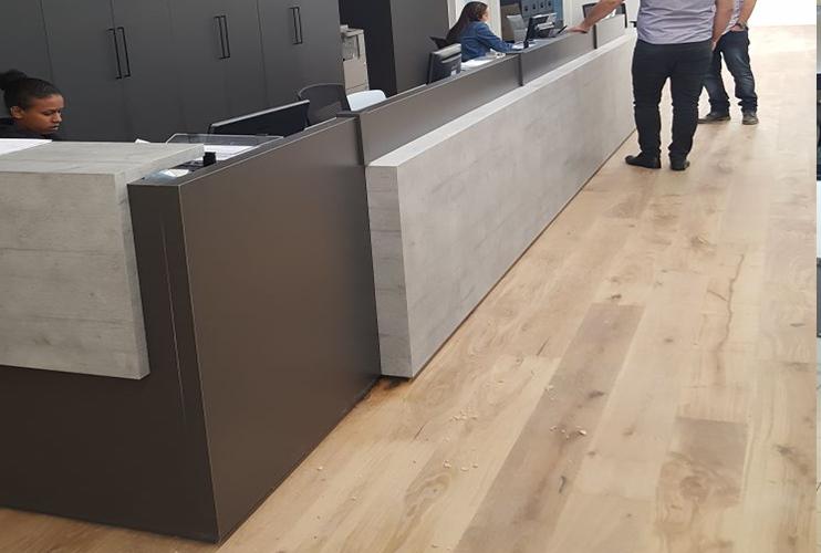 דלפק קבלה למשרד- דלפק משולב בפורמייקה ננו משולב בטון | מס': 2108