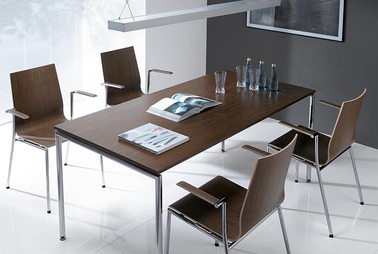 ריהוט לקפיטריה- SENSI שולחן קפיטריה עם כיסאות
