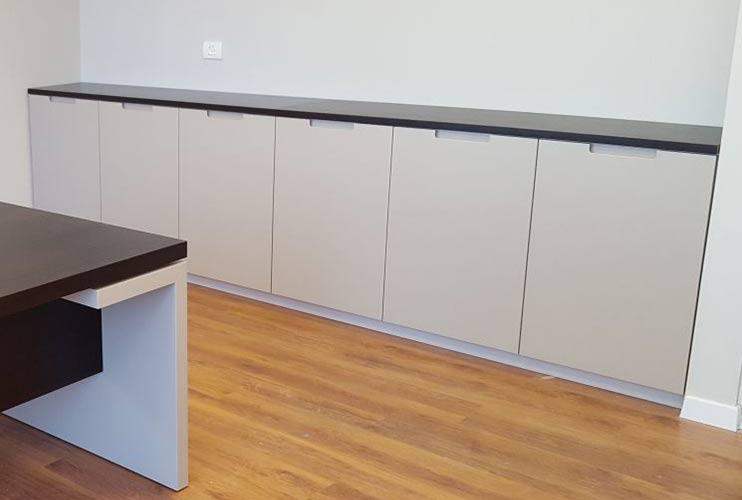 ארון איחסון למשרד- ארונית בפורניר ואפוקסי תואם לשולחן | מס': 1311