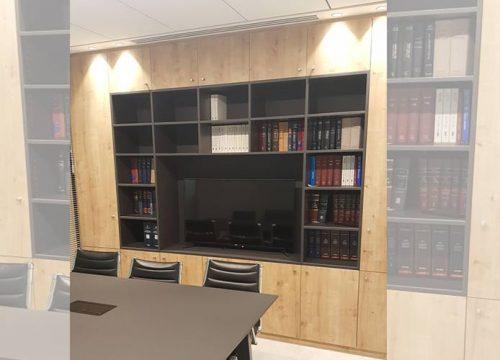 11Formaika1011 500x360 - ארון איחסון למשרד - ארון משולב ספריייה עם מקום למסך פלסמה בפורמייקה מט תואמת לשולחן ישיבות | מס': 1011
