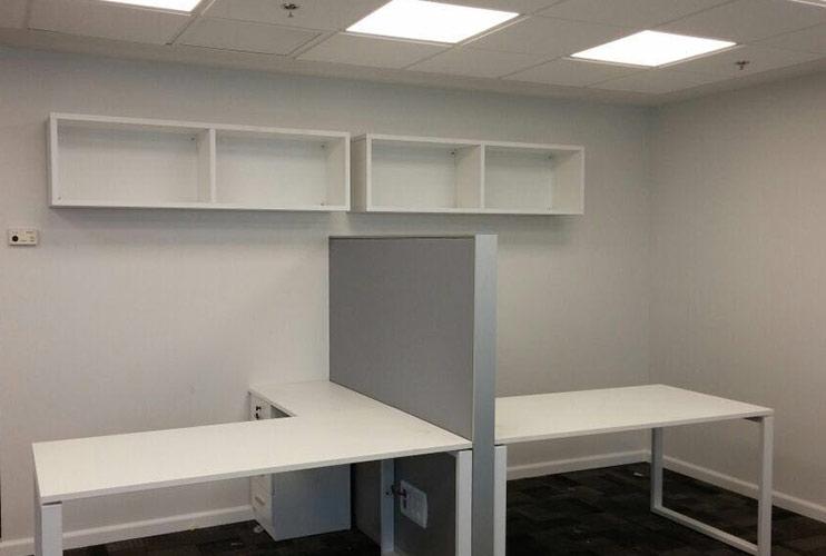 ארון משרדי- כונניות פתוחות בתפישה על הקיר | מס': 1112