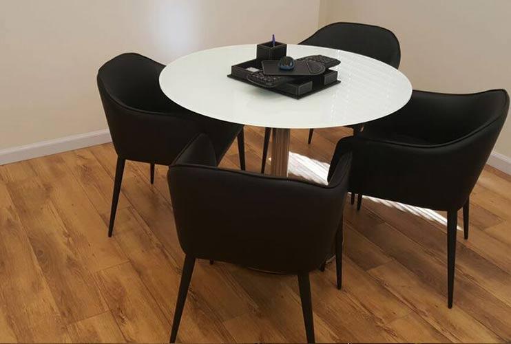 שולחן לחדר ישיבות קטן עגול בזכוכית | מס': 3218
