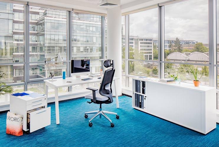 4 סיבות מדוע כדאי לכם לשבת על כסא ארגונומי