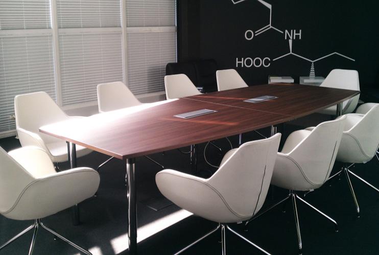 כסא לחדר ישיבות- FAN חדר ישיבות מרוהט בכסא   מס': 0420