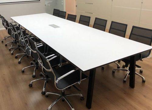 22BigTable3222 500x360 - שולחן לחדר ישיבות בפורמייקה לבנה | מס': 3222