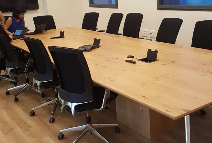 שולחן לחדר ישיבות בפורניר | מס': 3223