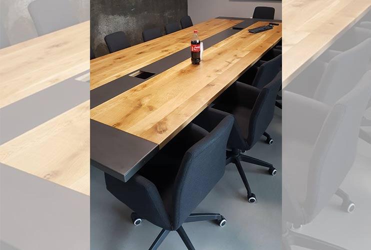 שולחן לחדר ישיבות בשילוב פורניר ואפוקסי   מס': 3225
