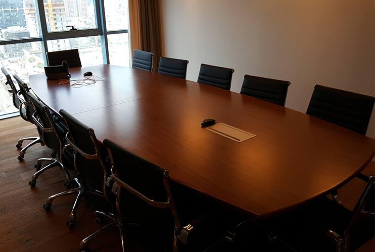 שולחן לחדר ישיבות בסיומת קשתית | מס': 3228