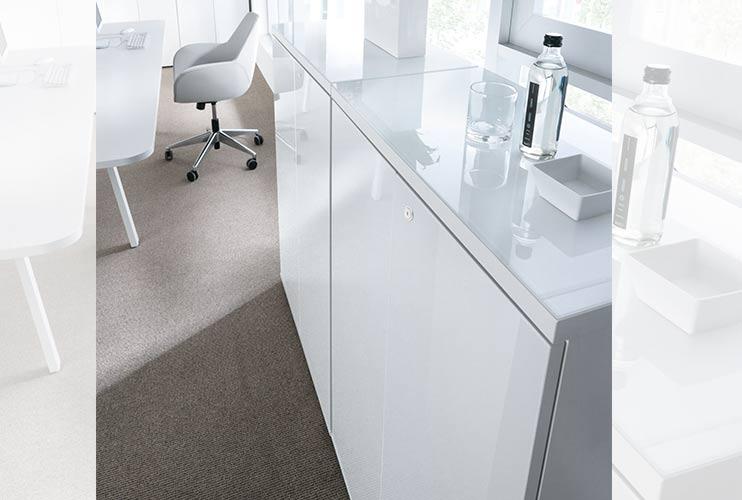 ארון איחסון למשרד- ארונות בפורמייקה לבנה זכוכית מודבקת על הטופ | מס': 1202