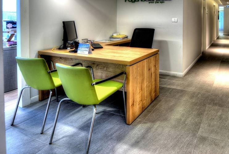 שולחן משרדי- דגם מיתר בפורמייקה   מס': 3104