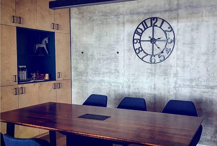 שולחן לחדר ישיבות מפורניר במבוק   מס': 3208