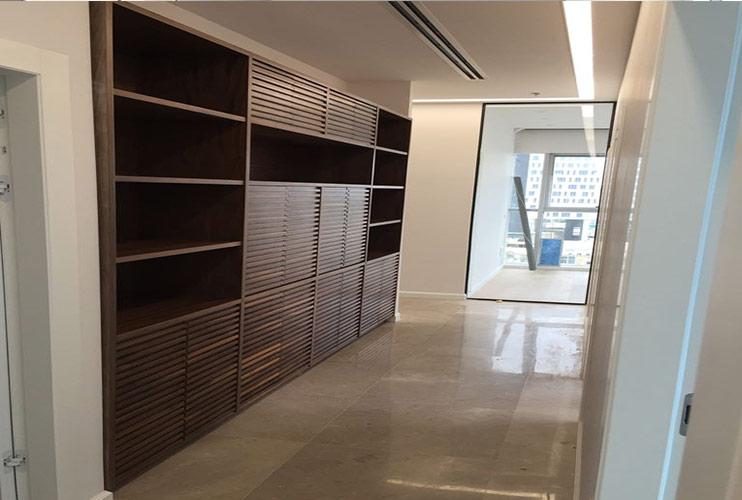 ארון משרדי- סיפרייה משולבת בארון פורניר תפורה לפי מידה בנגרות אמן | מס': 1108