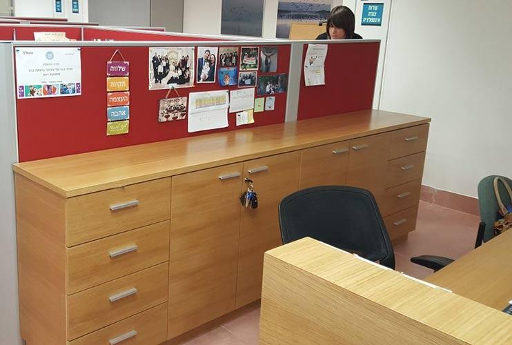 ארון איחסון למשרד – ארונית איחסון בפורניר | מס': 1309