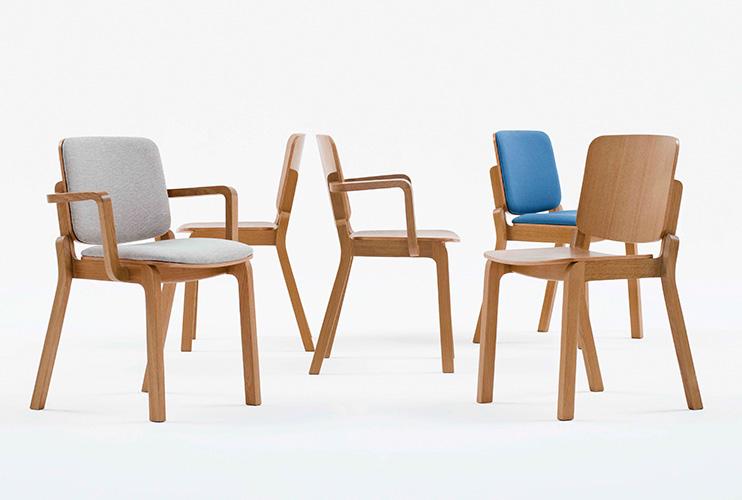 כסא ישיבות/ המתנה / אורח דגם HIP עם גלגלים / מס. 445