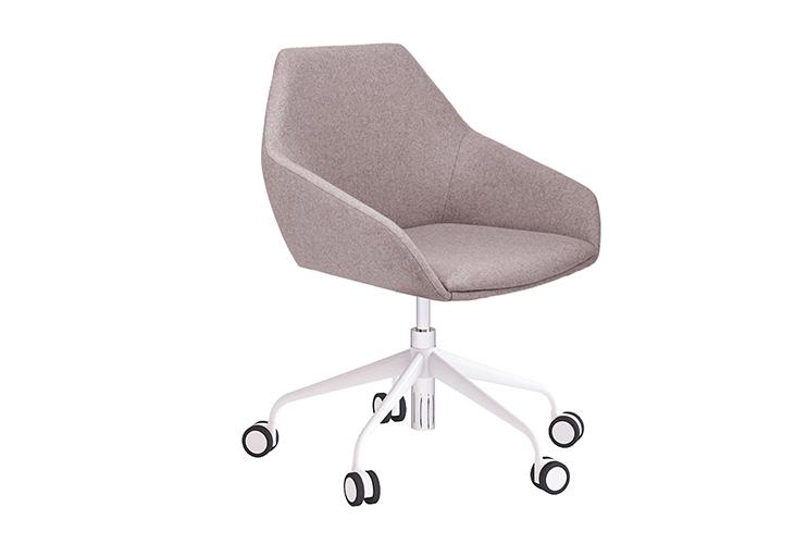 כסא לחדר ישיבות דגם TUK עם גלגלים / מס. 450