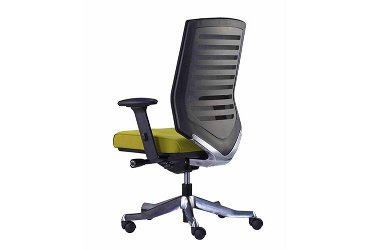 כסא מנהלים דגם Velo גב נמוך משענת ראש / מס' 346