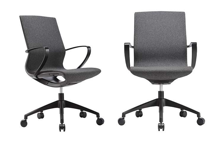כסא לחדר ישיבות דגם Moto בצבע שחור- מס' 452